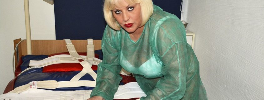 Windel- und Segufixspecial - Domina Mistress Ursula